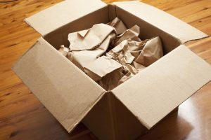 Een doos op zolder